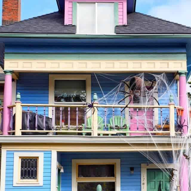 Whos ready for Halloween? This house sure is! a cutehellip