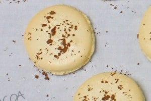 hard-crunchy-shell-macaron