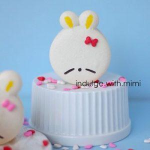 Snow White Mashimaro Bunny Macarons