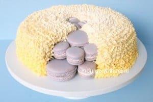macaron-surprise-cake