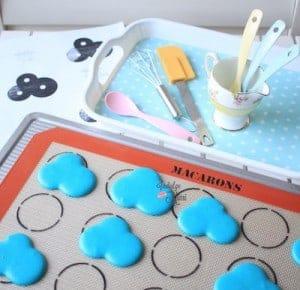 cloud-macarons