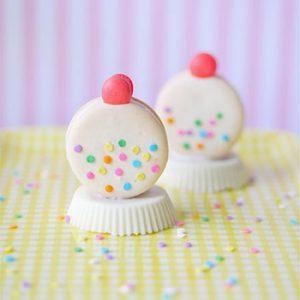 White Gum Ball Machine Macarons w/ Template