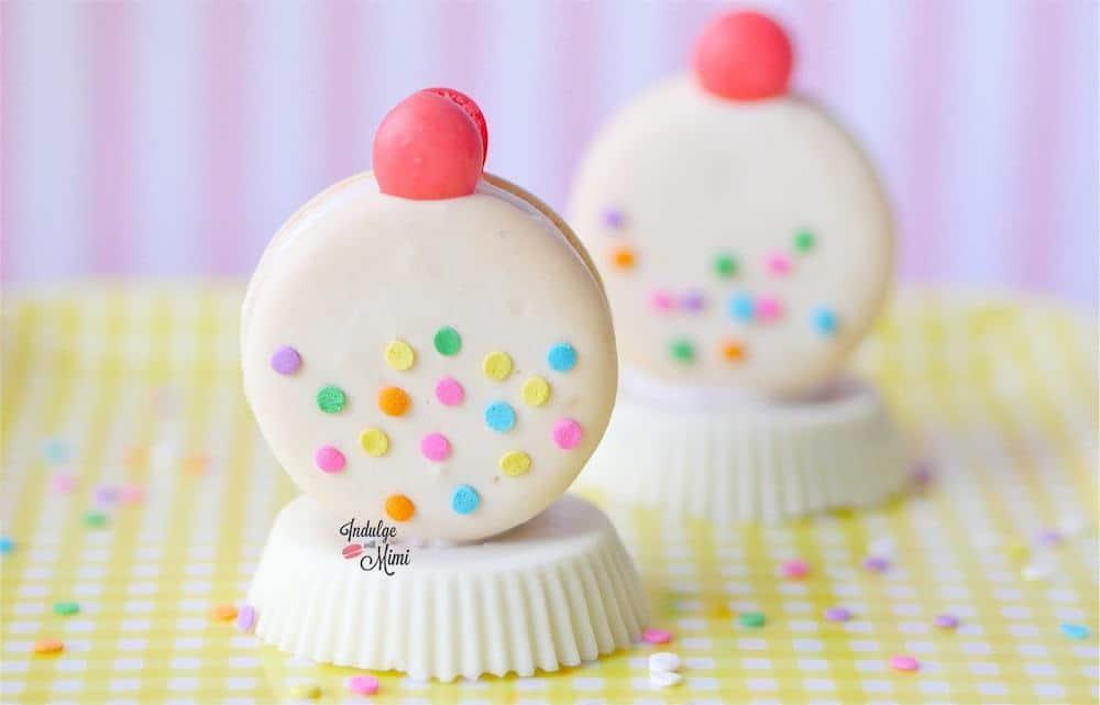 White gum ball machine macarons w template gumball macaronart white pronofoot35fo Images