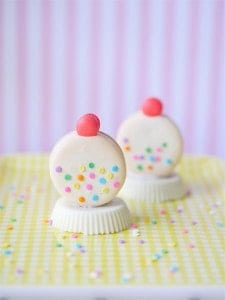 White Gum Ball Machine Macarons w/ Template