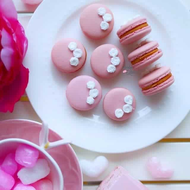 Is it too early for Spring Macarons? Pink beauties toppedhellip
