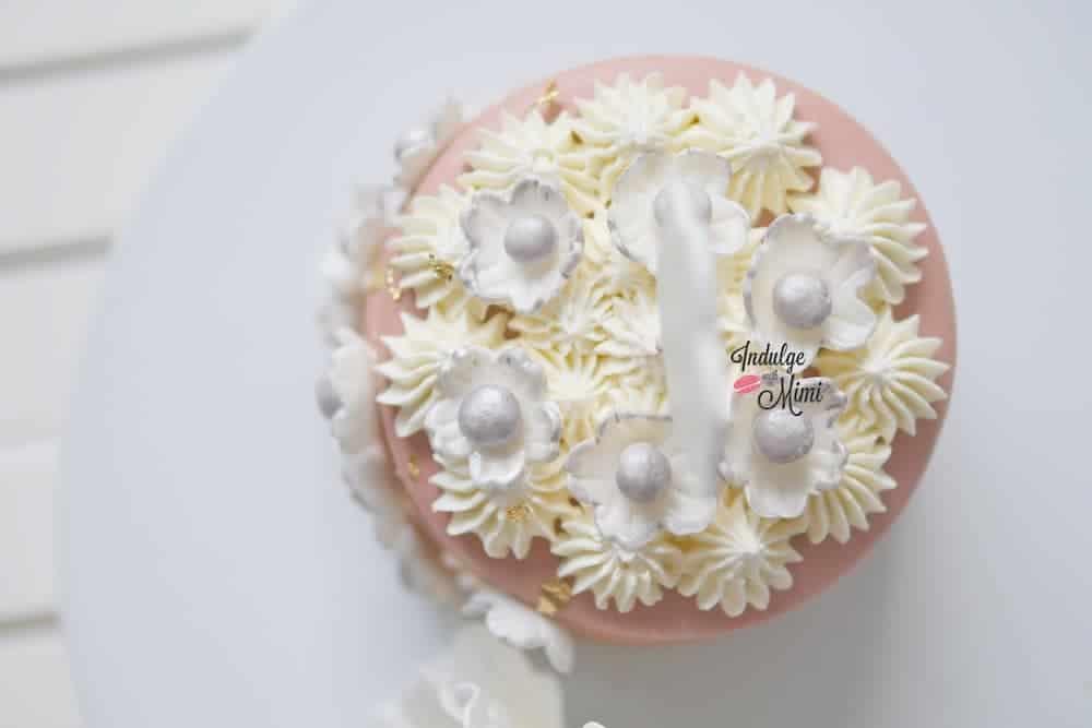 macaron stack cake