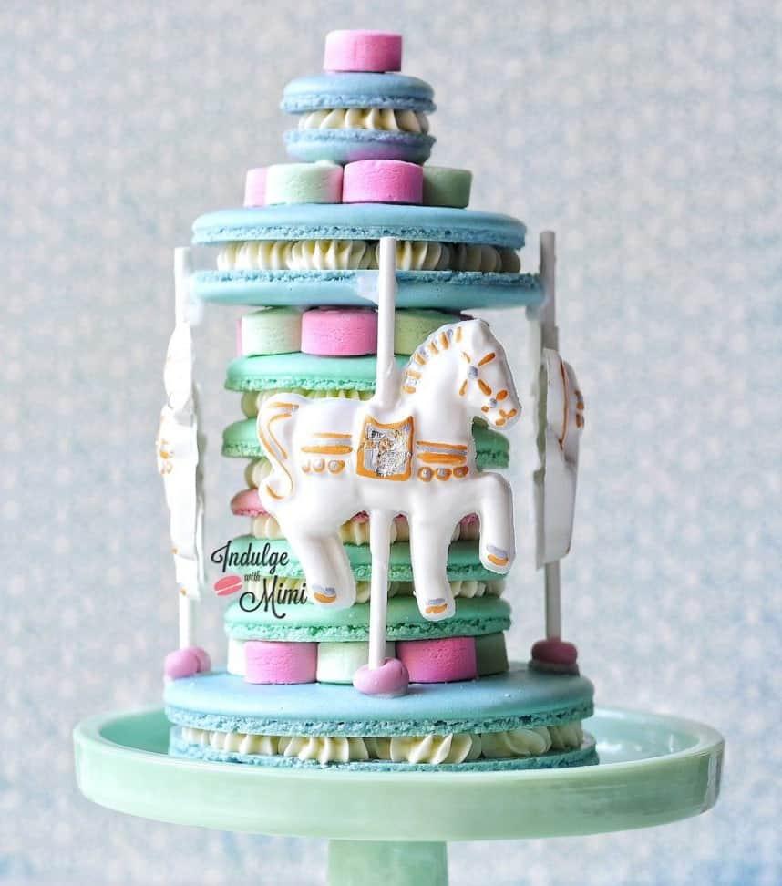 horse-carousel-macaron-cake-1-1024x1001