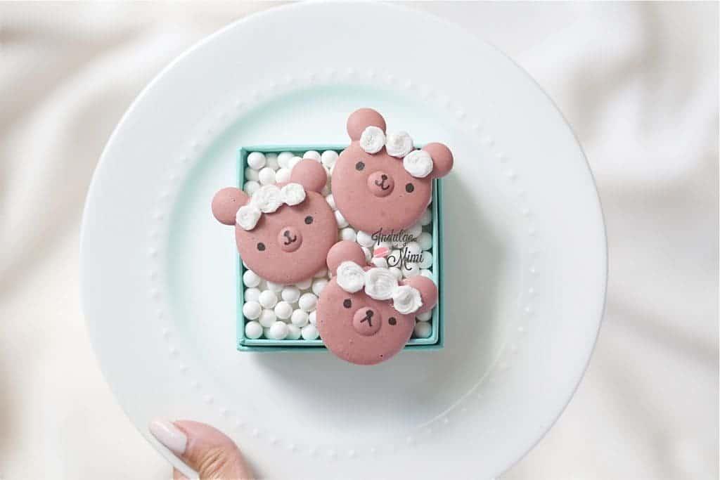 bridal macarons