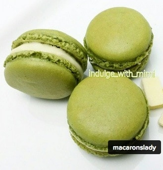 big-bubbly-feet-macarons