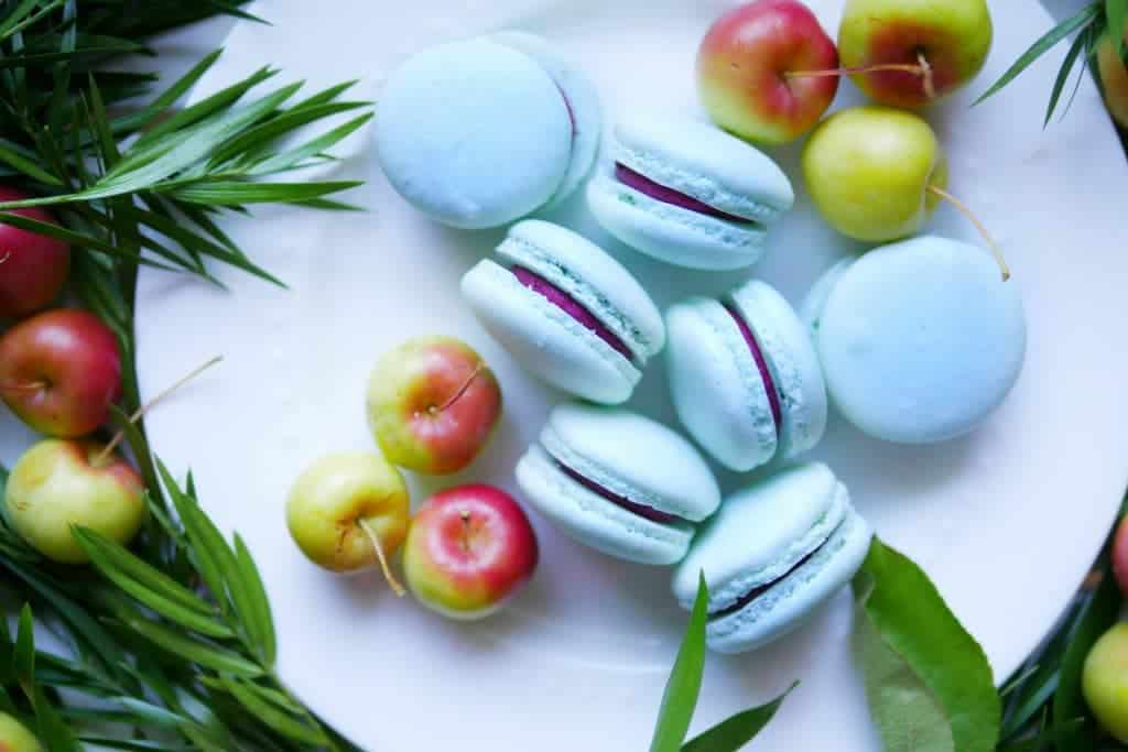 cassis-macarons-vancouver-marriot