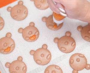 halloween-macaron-bears-indulge-with-mimi