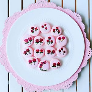 How to Make Hand Painted Floral Macaron Favors