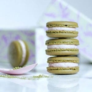 Matcha Green Tea Macarons with Strawberry Buttercream – Naturally Coloured and Flavoured