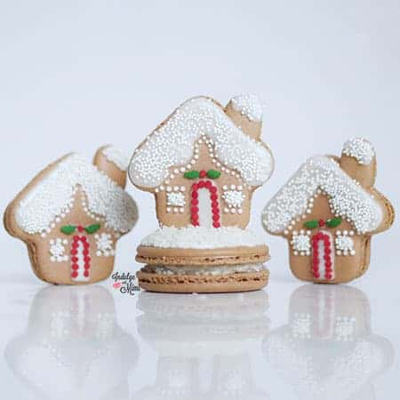 Gingerbread house macaron.